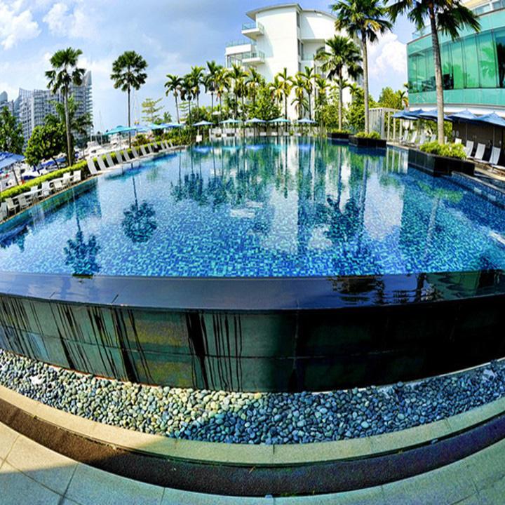 مسبح أكريليك خارجي ، في فندق هوي لونغ